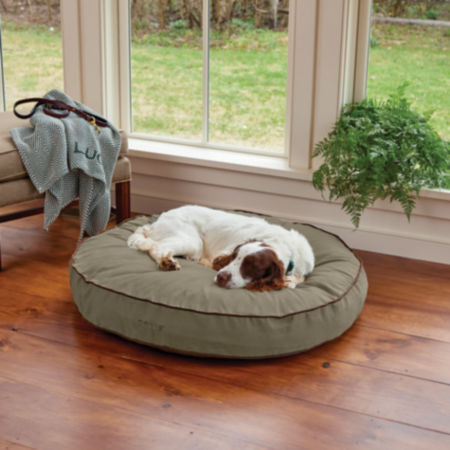 Dog laying on an Orvis Round Bed