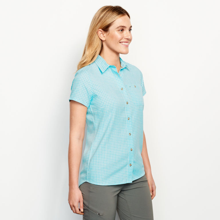 Plaid Short-Sleeved Tech Chambray Work Shirt -  image number 1