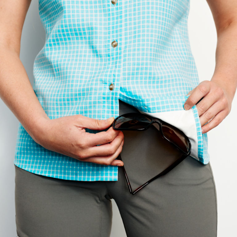Plaid Short-Sleeved Tech Chambray Work Shirt -  image number 4