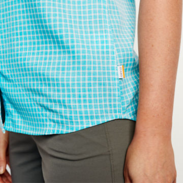 Plaid Short-Sleeved Tech Chambray Work Shirt -  image number 5
