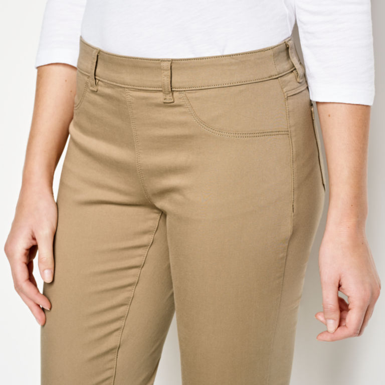 All-Day Stretch Twill Crop -  image number 3