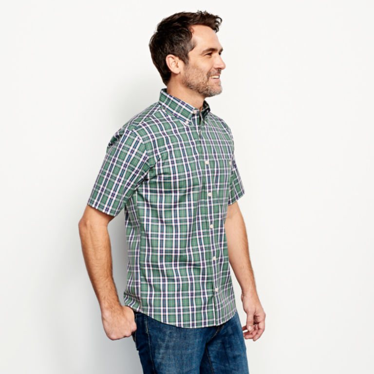 Wrinkle-Free Short-Sleeved Shirt - Regular -  image number 2