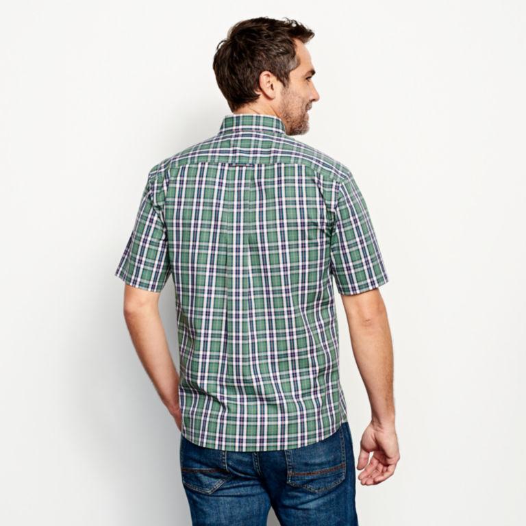 Wrinkle-Free Short-Sleeved Shirt - Regular -  image number 3