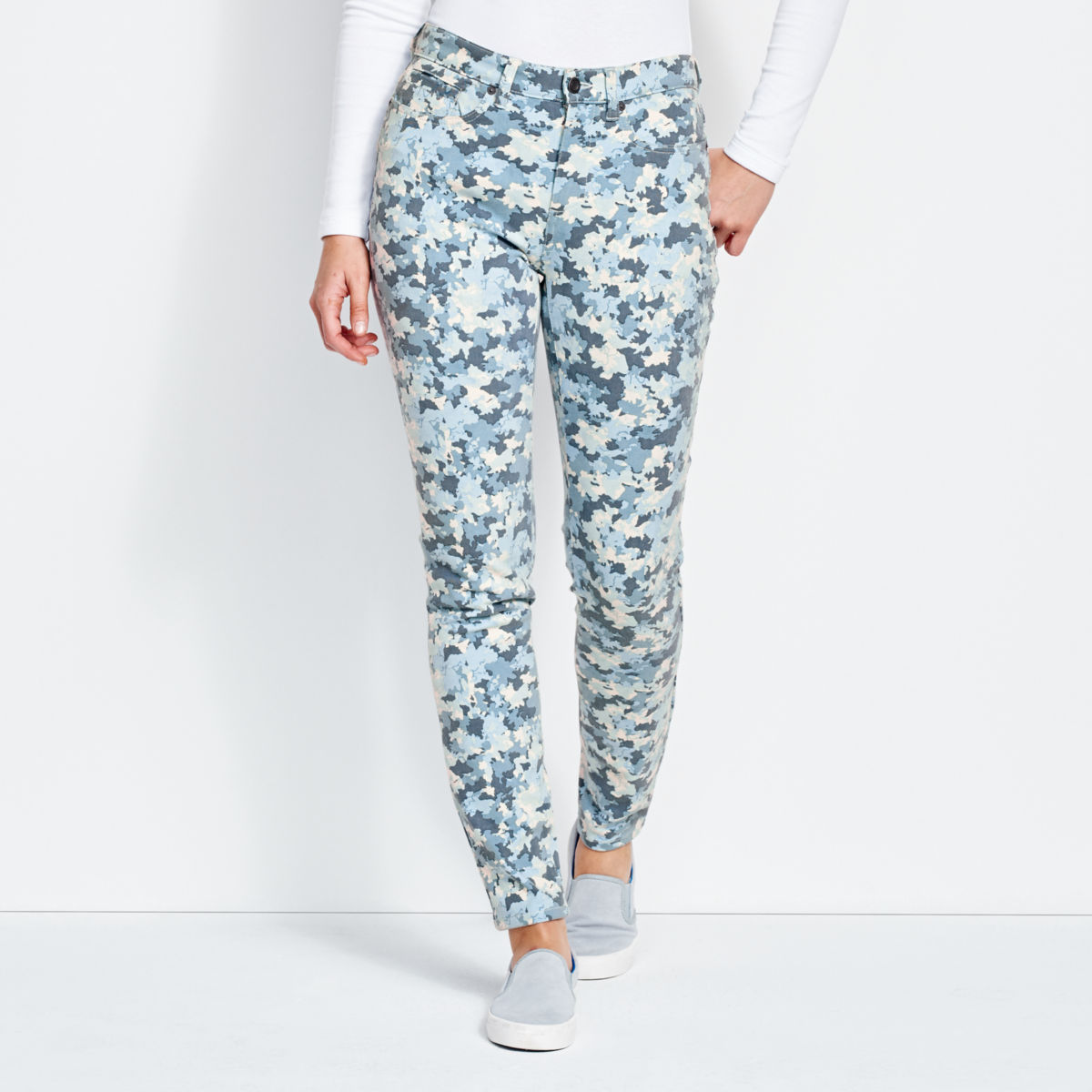 Printed Four-Way Stretch Ankle Pants - image number 0