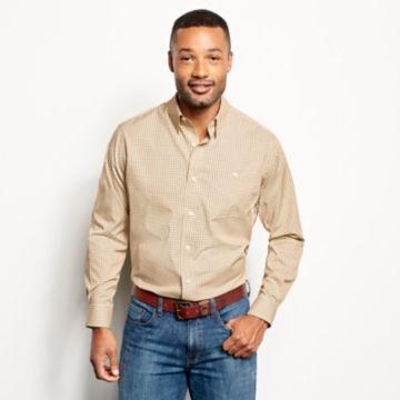 Hidden Button-Down Wrinkle-Free Comfort Stretch Shirt - Regular -  image number 1