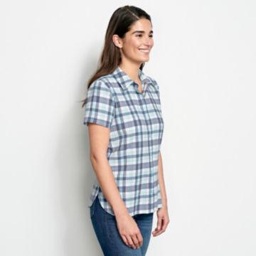 Short-Sleeved Crushed Herringbone Shirt -  image number 1