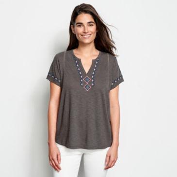Embroidered V-Neck Short-Sleeved Top -