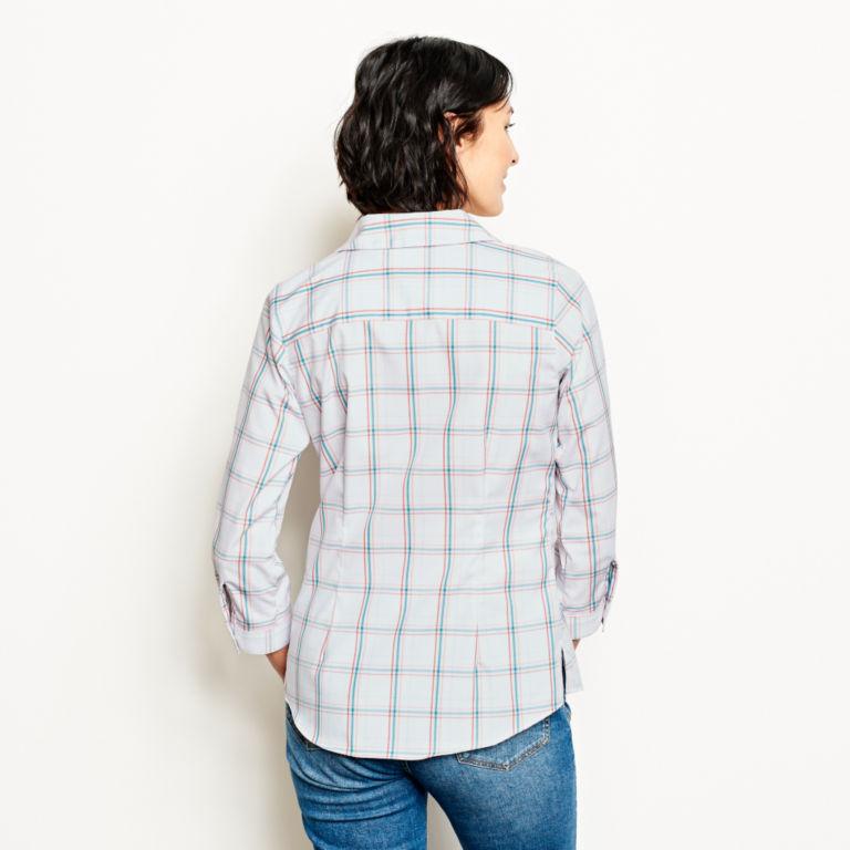Wrinkle-Free Three-Quarter-Sleeved Patterned Shirt -  image number 2