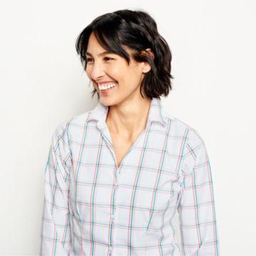 Wrinkle-Free Three-Quarter-Sleeved Patterned Shirt -  image number 3