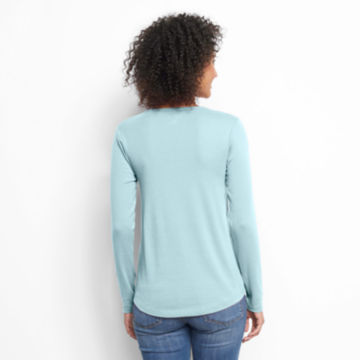 Long-Sleeved Relaxed Perfect Tee -  image number 2