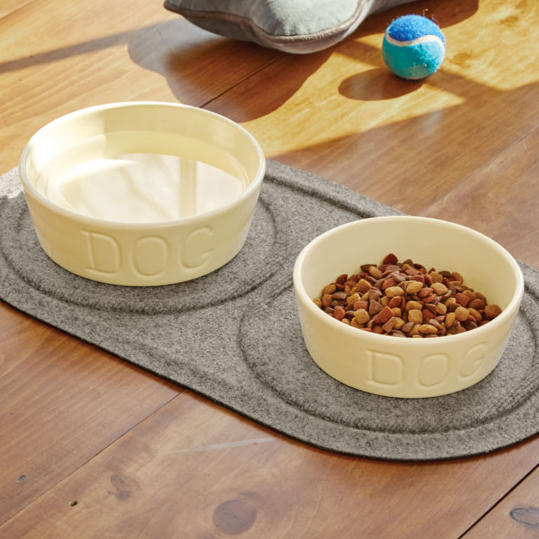 Recycled Water Trapper®  Bowl Holder Mat -  image number 0