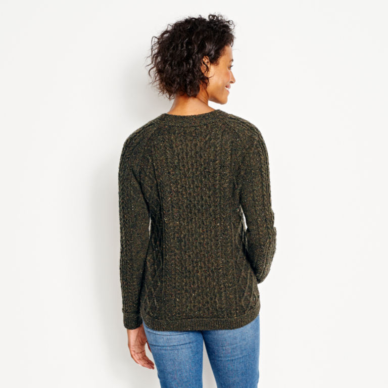 Wool/Cashmere Cable Crewneck Sweater - OLIVE image number 3