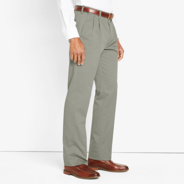 Wrinkle-Free Comfort-Waist Stretch Cotton Chinos Pleated -  image number 2