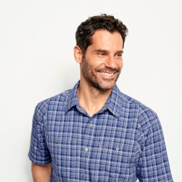 Tech Chambray Short-Sleeved Work Shirt -  image number 4