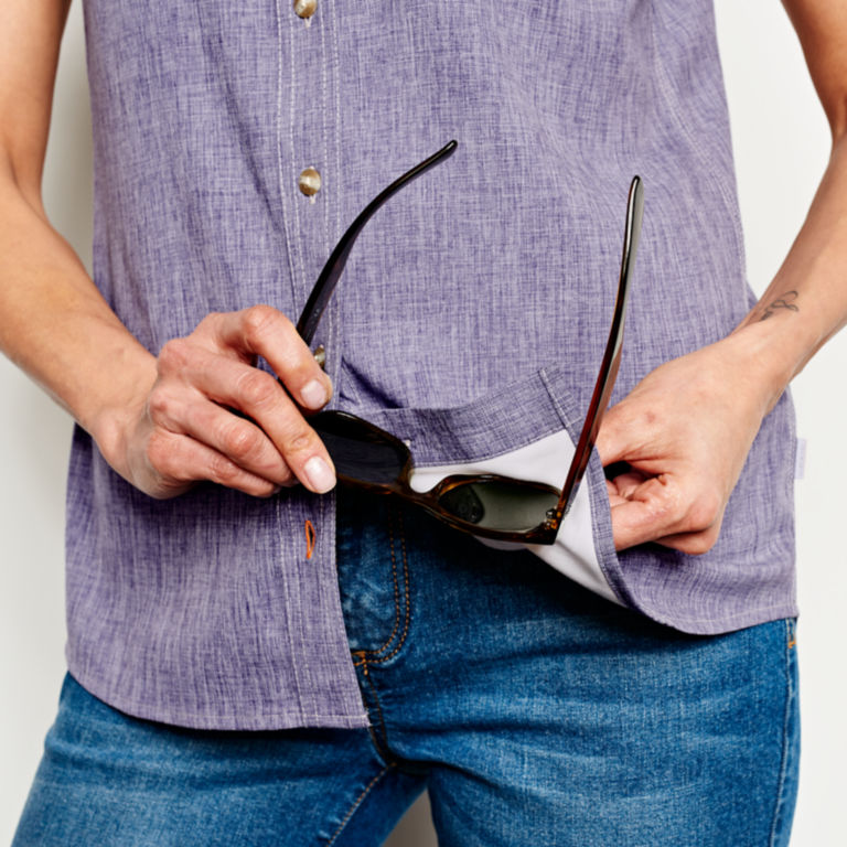 Short-Sleeved Tech Chambray Work Shirt -  image number 4