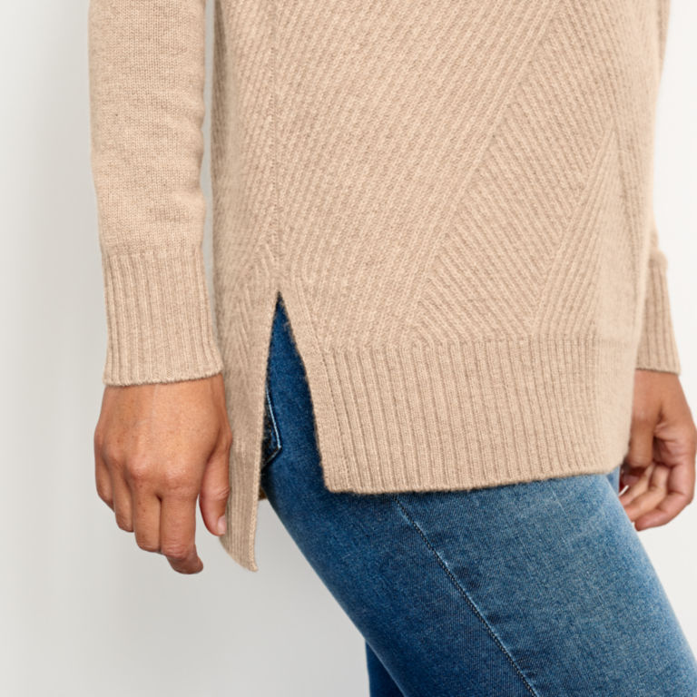 Cashmere Mixed Stitch Tunic Sweater -  image number 4