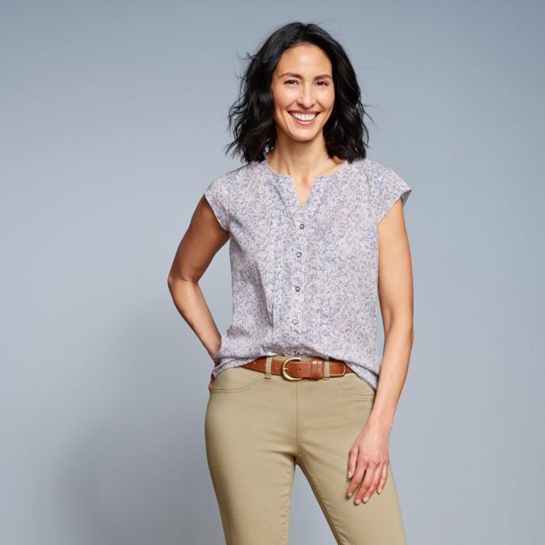 Printed Pintucked Short-Sleeved Shirt -  image number 5