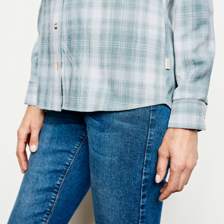 Tech Chambray Plaid Work Shirt -  image number 4