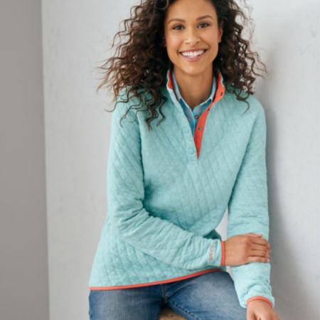 Model wearing Women's Outdoor Quilted Snap Sweatshirt