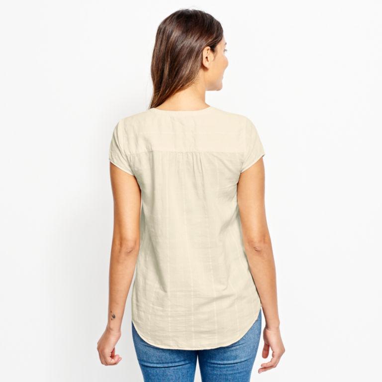 Garment-Dyed Dobby Cap-Sleeved Shirt -  image number 2