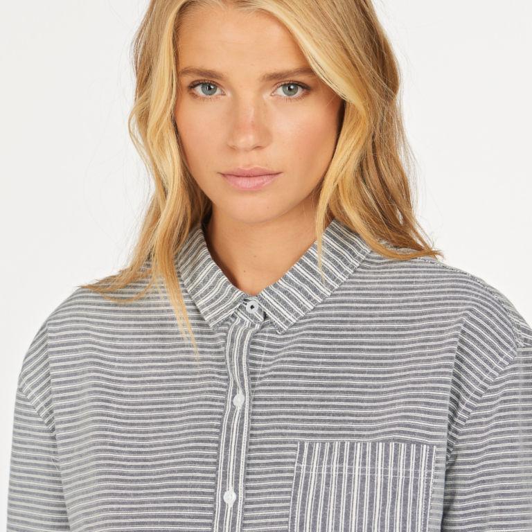 Barbour® Longshore Shirt - CLOUD/NAVY image number 3