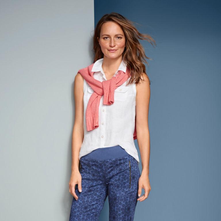 Lightweight Linen Sleeveless Shirt -  image number 5