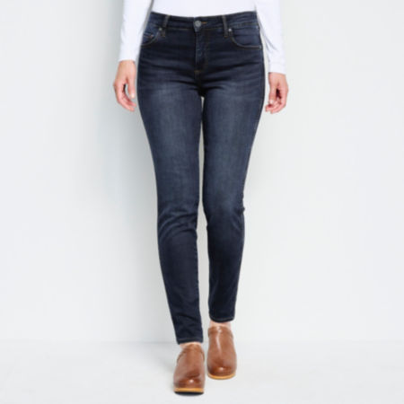 waist down of Diana High Rise Skinny Jeans