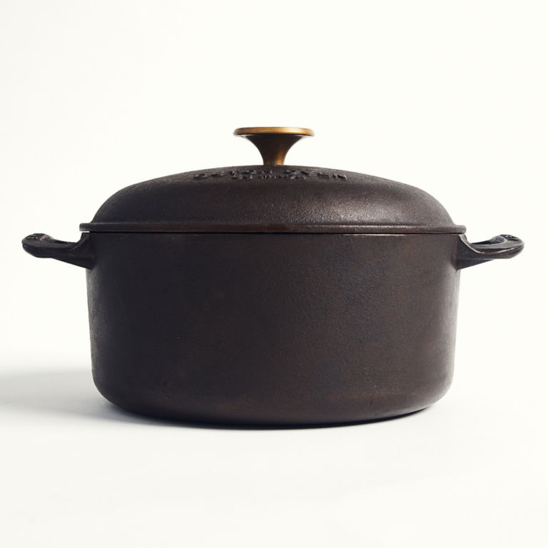 Smithey 5.5 Quart Dutch Oven -  image number 0